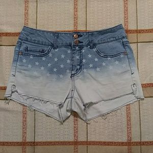 Star patterned shorts